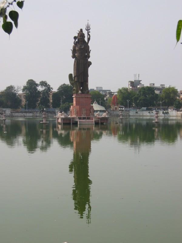 Sur Sagar ja Shiva-patsas