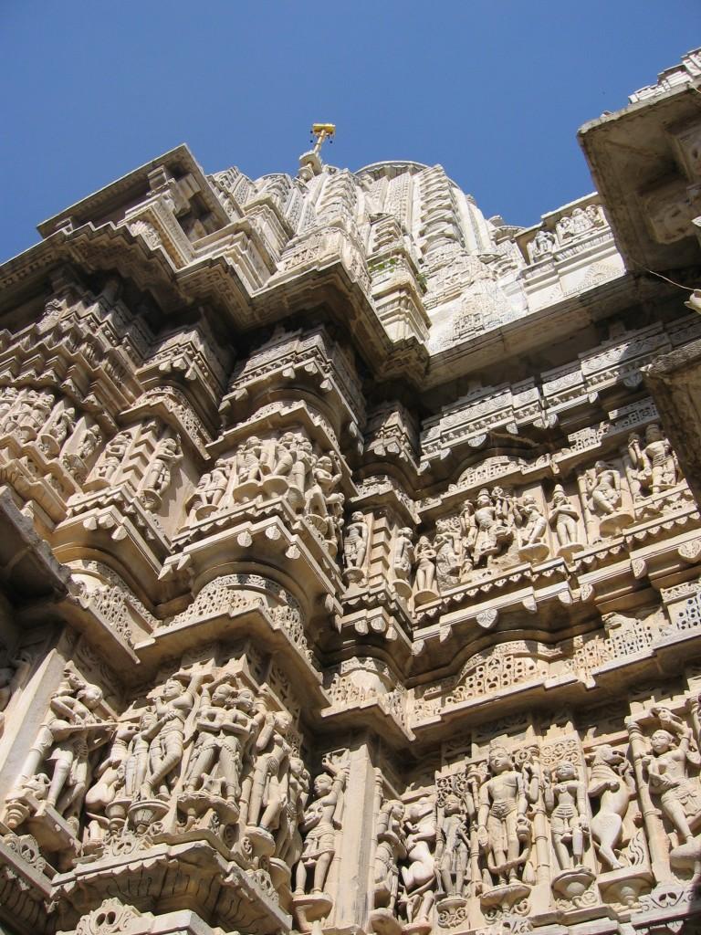 Temppelin koristeluja