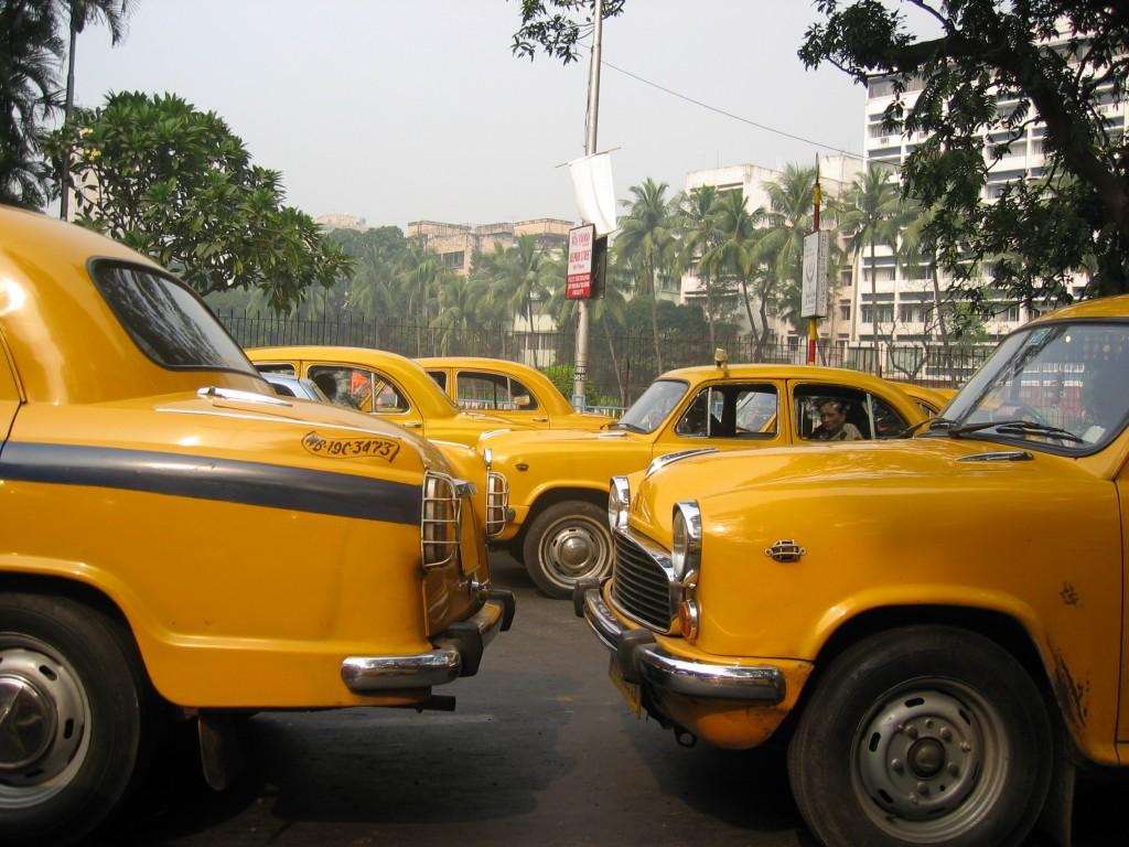 Taksissa kohti juna-asemaa