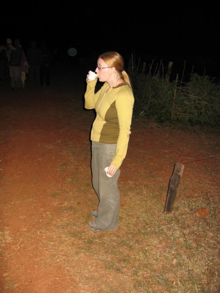 Kiva on hörppiä teetä kun voi samalla kattella norsuja