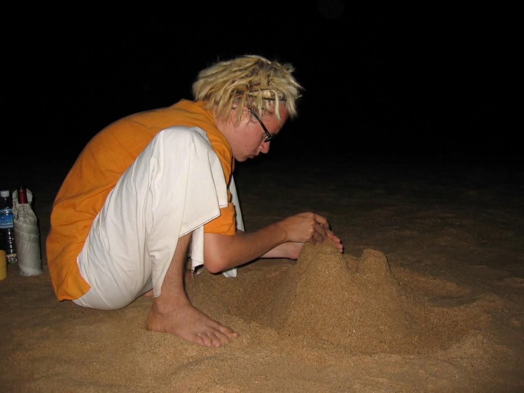 Rannalta löytyi paikka sekä viinille että hiekkalilnnoille