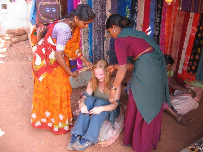Viime Goan tunneilla Maiju joutui intialaisnaisten käsittelyyn