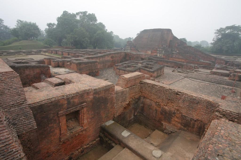 Nalandan raunioita
