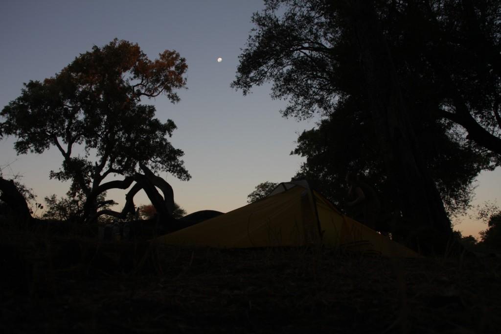 Rauha laskeutui vihdoin meidän telttapaikalle
