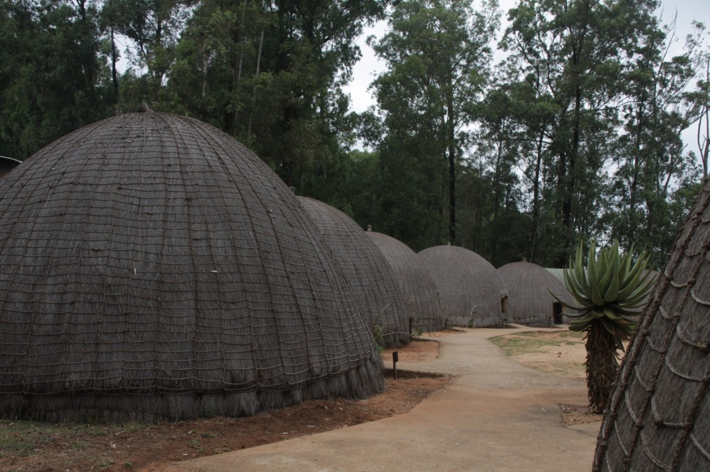 Beehive kylä Mlilwanessa
