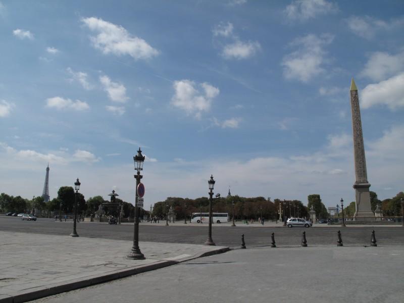 Corcorde, Eiffel, Riemukaari. Kaikk' yhes koos.