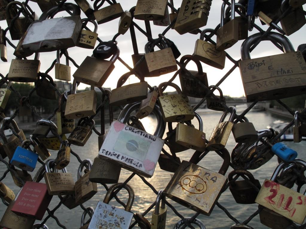 Pont des Arts ja rakkaudenlukot