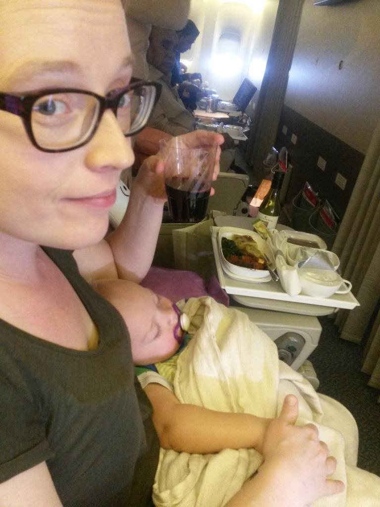 Eero nukkuu eli on aikaa lasilliselle complimentary wine