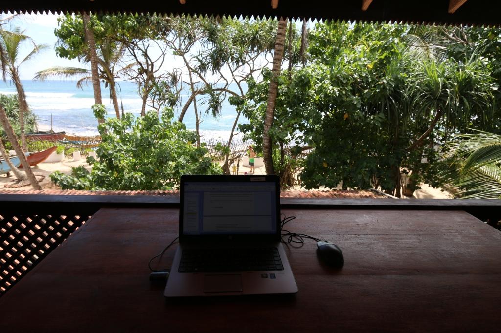 Työpöytä näköalalla / Desk with a view