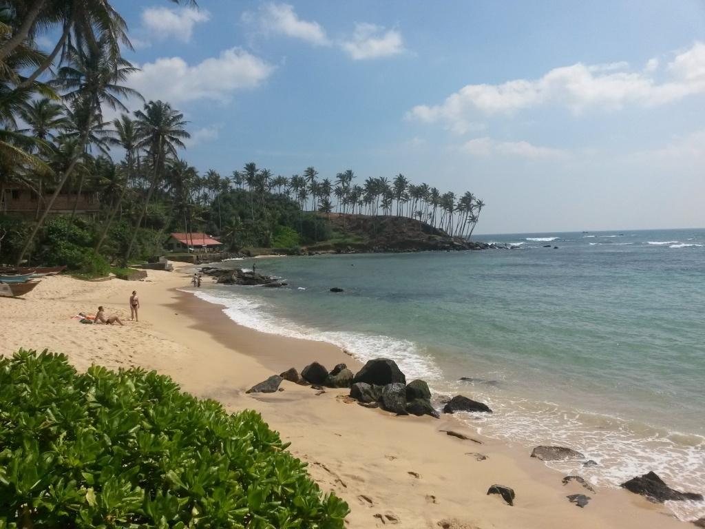 Väliranta Mirissa Beachin ja meidän (Thalaramba) beachin välissä