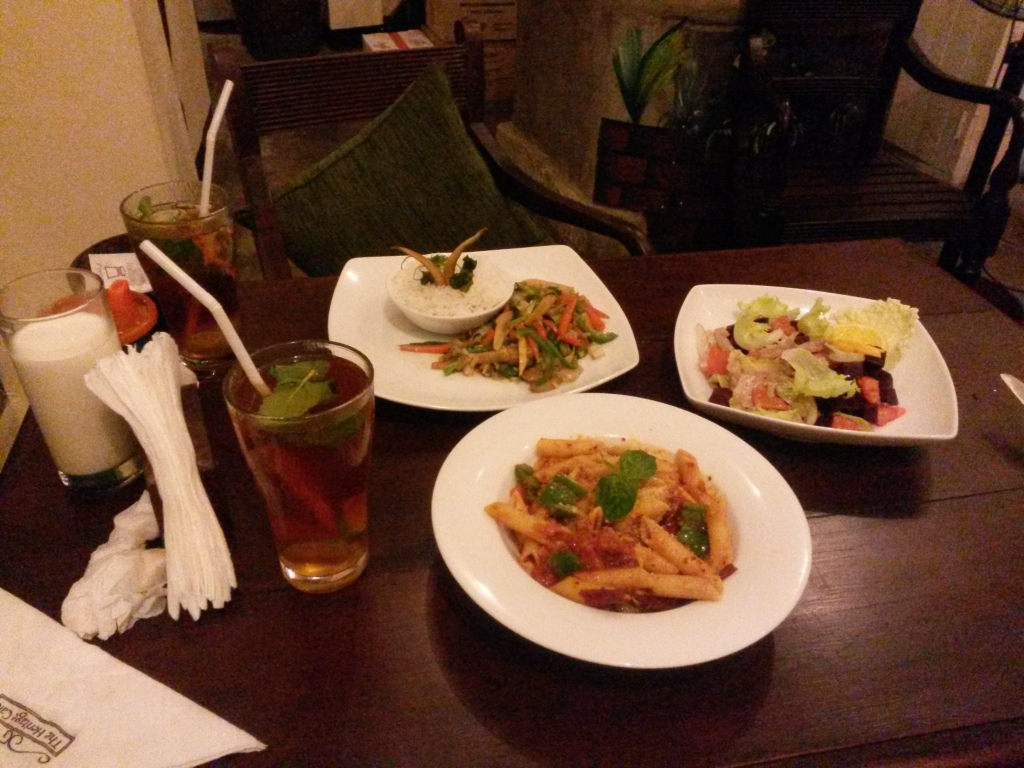 Surprisingly good Pasta Arrabiata, interesting beetroot & orange salad and pretty basic veg wok at the Heritage Cafe in Galle.