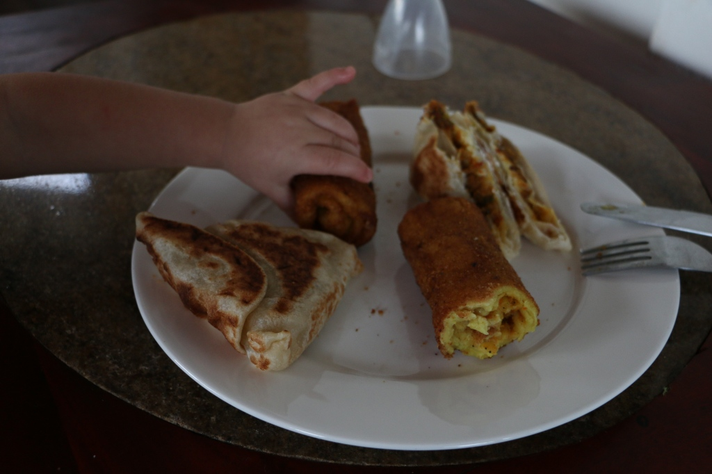 A lunch time snack: veg rotis and egg rolls - 180 rupees (for these Mirissa really has inflated tourist prices)