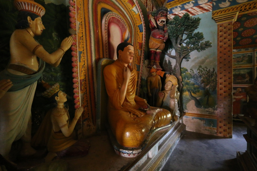 Tuhat Buddhaa / A thousand Buddhas