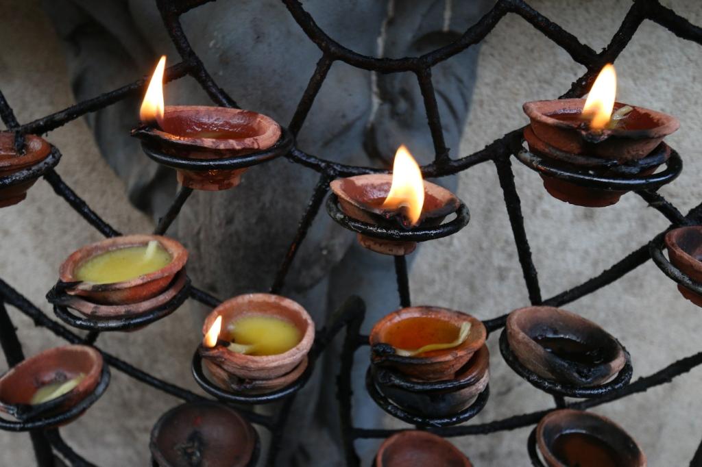 Uhrikynttilöitä / Sacrificial candles