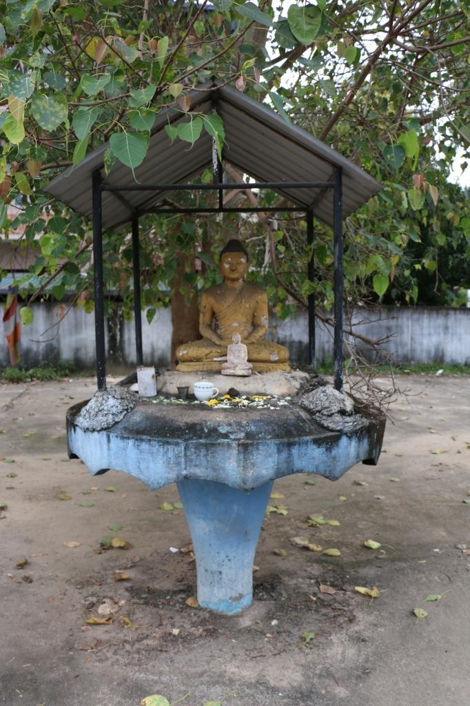 Buddha statue in Balapitiya town