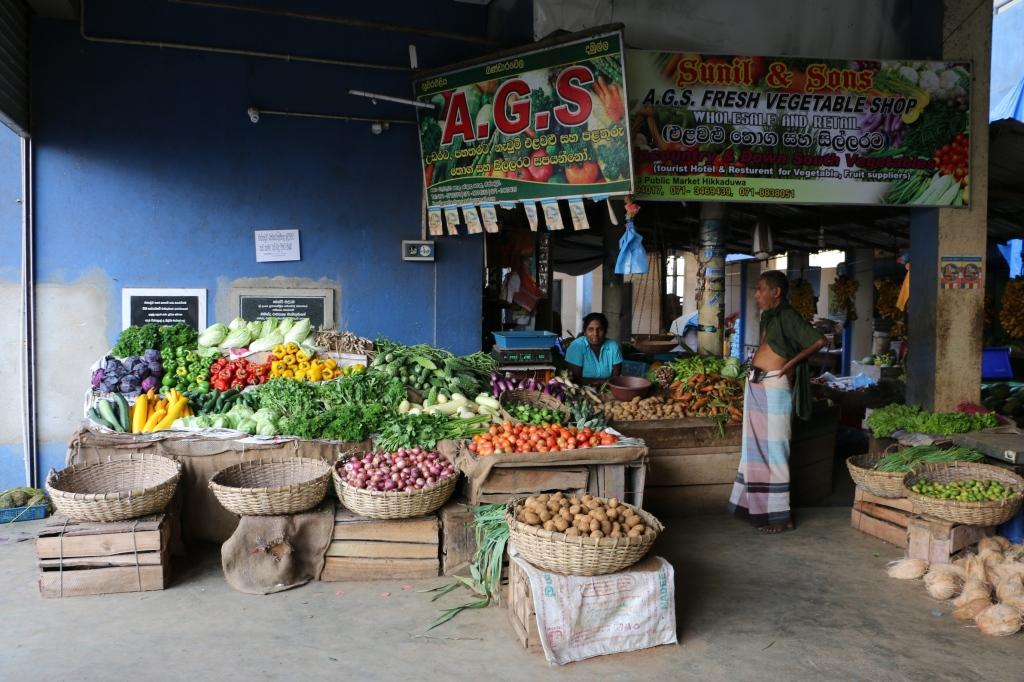 Vegetable market in Hikkaduwa