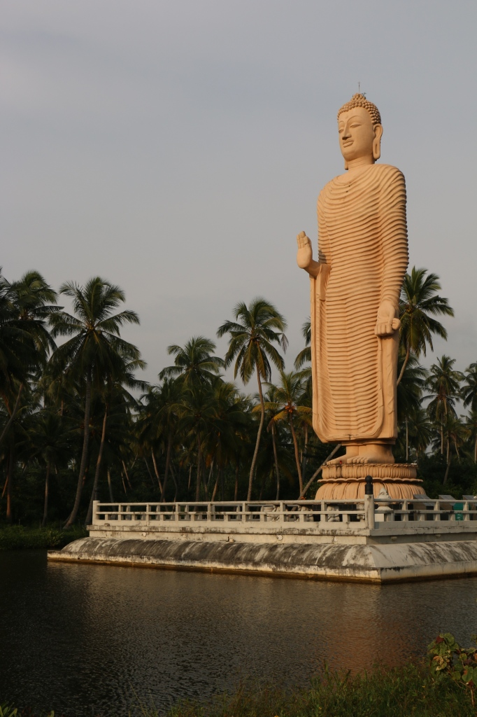 Buddha statue in Peraliya, erected to commemorate the victims of the tsunami