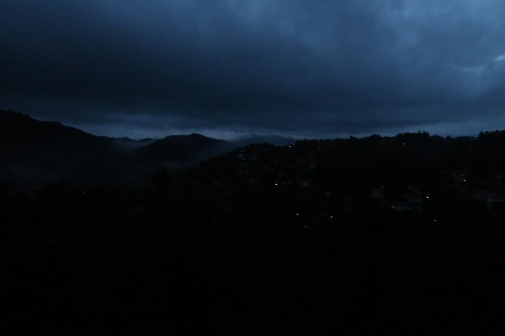 Sinivuorten yö / Blue Christmas Night